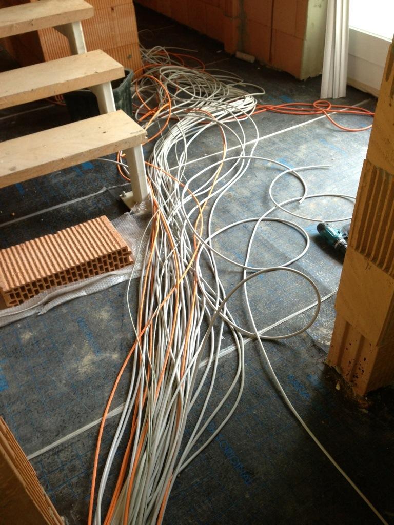 Kabel-Wirr-Warr